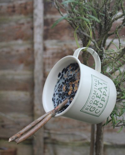 Bird feeder tin mug