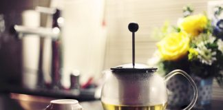 Herbal-tea-garden-teapot