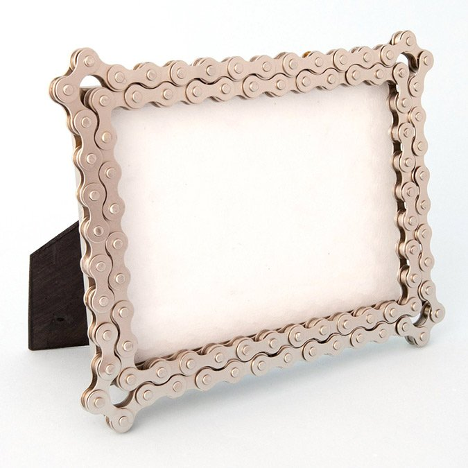 photo frame bicycle chain upcycled