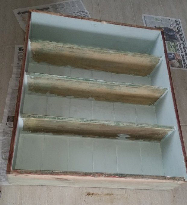 Upcycling-bookcase-blue