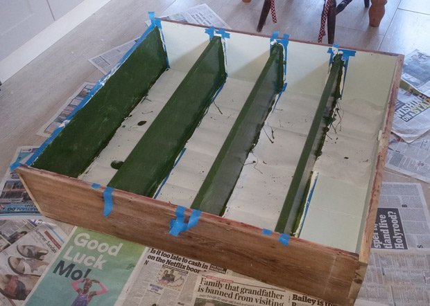 Upcycling-bookcase-green